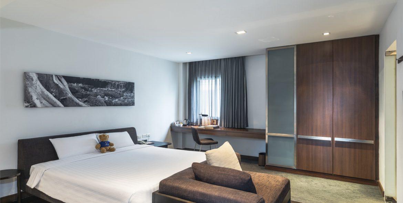 M Room 1