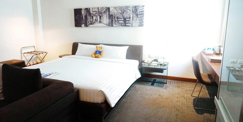 M Room 12