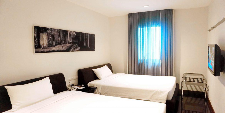 M Room 32