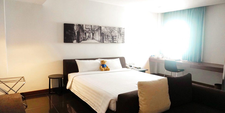 M Room 8