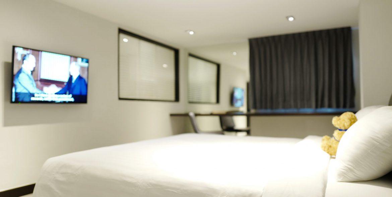 XL Room 8